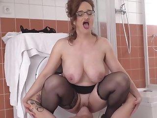 Mature Moms Choose Embargo Sex
