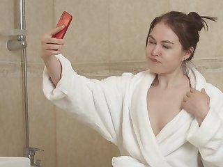 Closeup video of bosh deep fucking with hot ass girlfriend Kira Stone