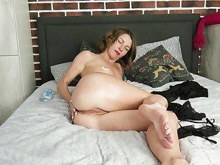 Nice confidential plus pussy Natasha Polynesia drops her panties forth josh